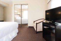 TV 32 pulgadas, Roosevelt Hotel & Suites, San Isidro, Lima.