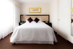 Cama matrimonial, Roosevelt Hotel & Suites, San Isidro, lima.